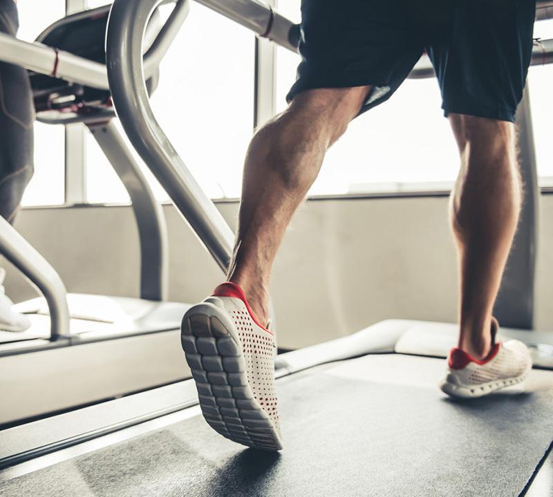 Micosi piede d'atleta: curare i funghi e come riconoscerli